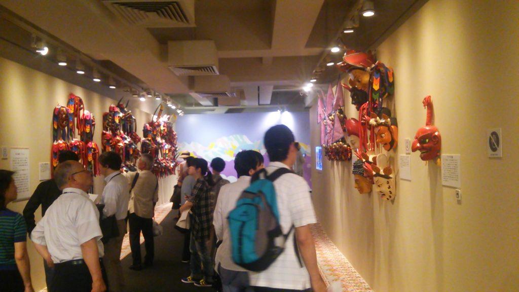 ブータン展1階雰囲気