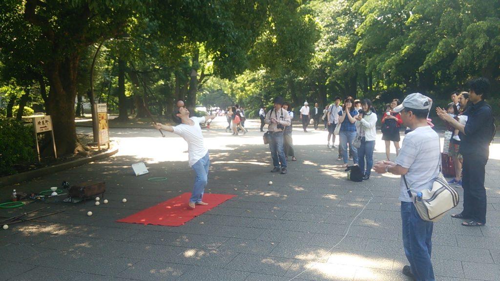 上野公園でパフォーマンスしてた人
